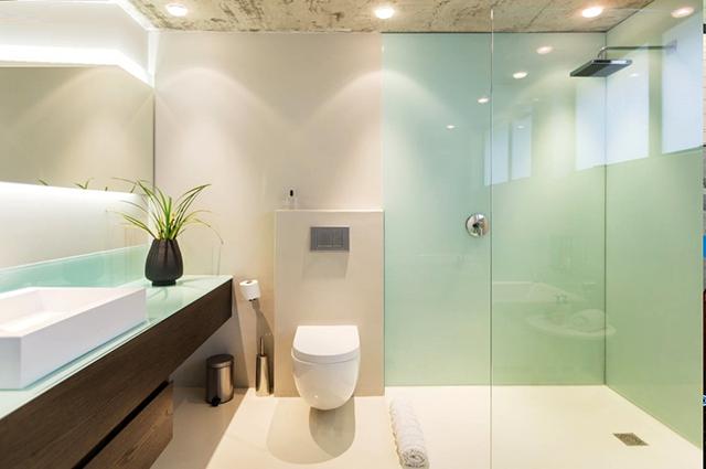 Bạn cần xác định được vị trí gây nên thấm, dột trong nhà vệ sinh