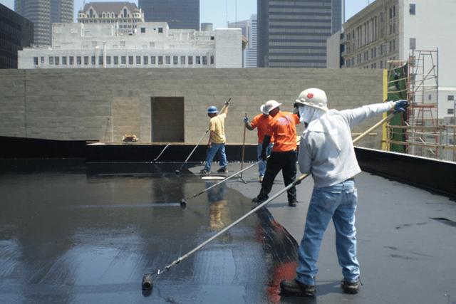 Các bước thực hiện chống thấm sân thượng bằng nhựa đường