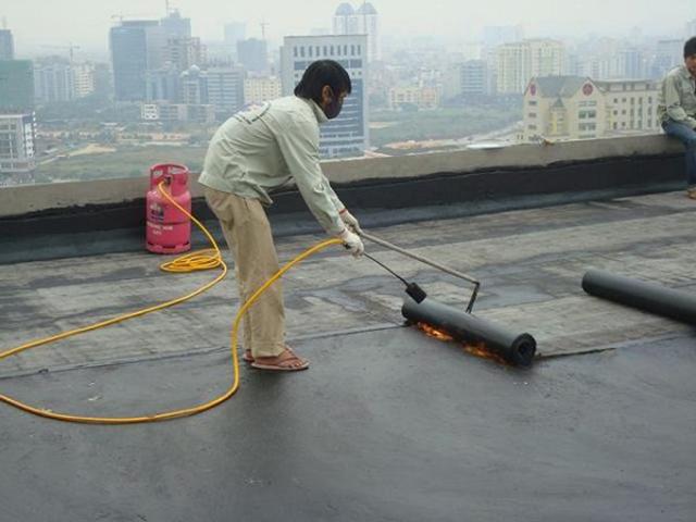 Các cách xử lý chống thấm trần nhà bê tông 3