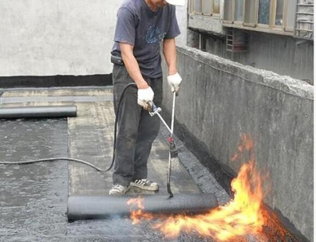 Thi công bằng phương pháp khò nóng